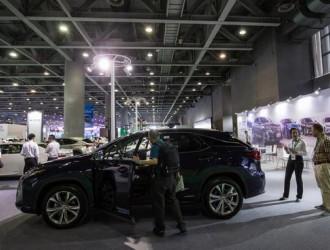 新能源汽车产销两旺 新形势带来新机遇