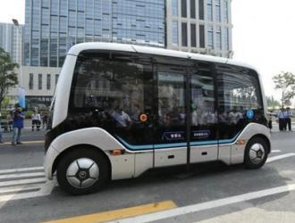 5G智能公交运营团队:5G智能公交的护航人