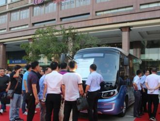 """""""星辰""""闪耀 2019金旅客车新能源产品全国巡演武汉首发"""