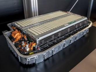 奥迪在准备其电动高性能超级跑车时将固态电池加倍