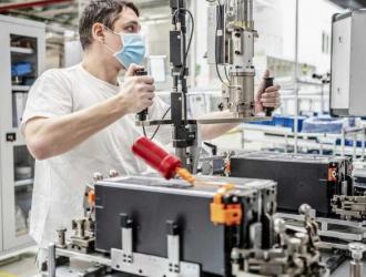 重启动力电池生产 斯柯达捷克工厂复工
