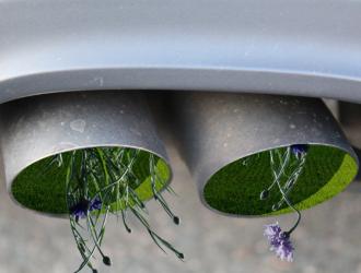 日本考虑2035年禁售燃油车 推进实现温室气体零排放