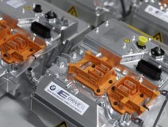 迈入新一轮产业周期 动力电池企业闯关进阶