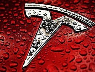 特斯拉宣布标准续航车型切换到磷酸铁锂电池